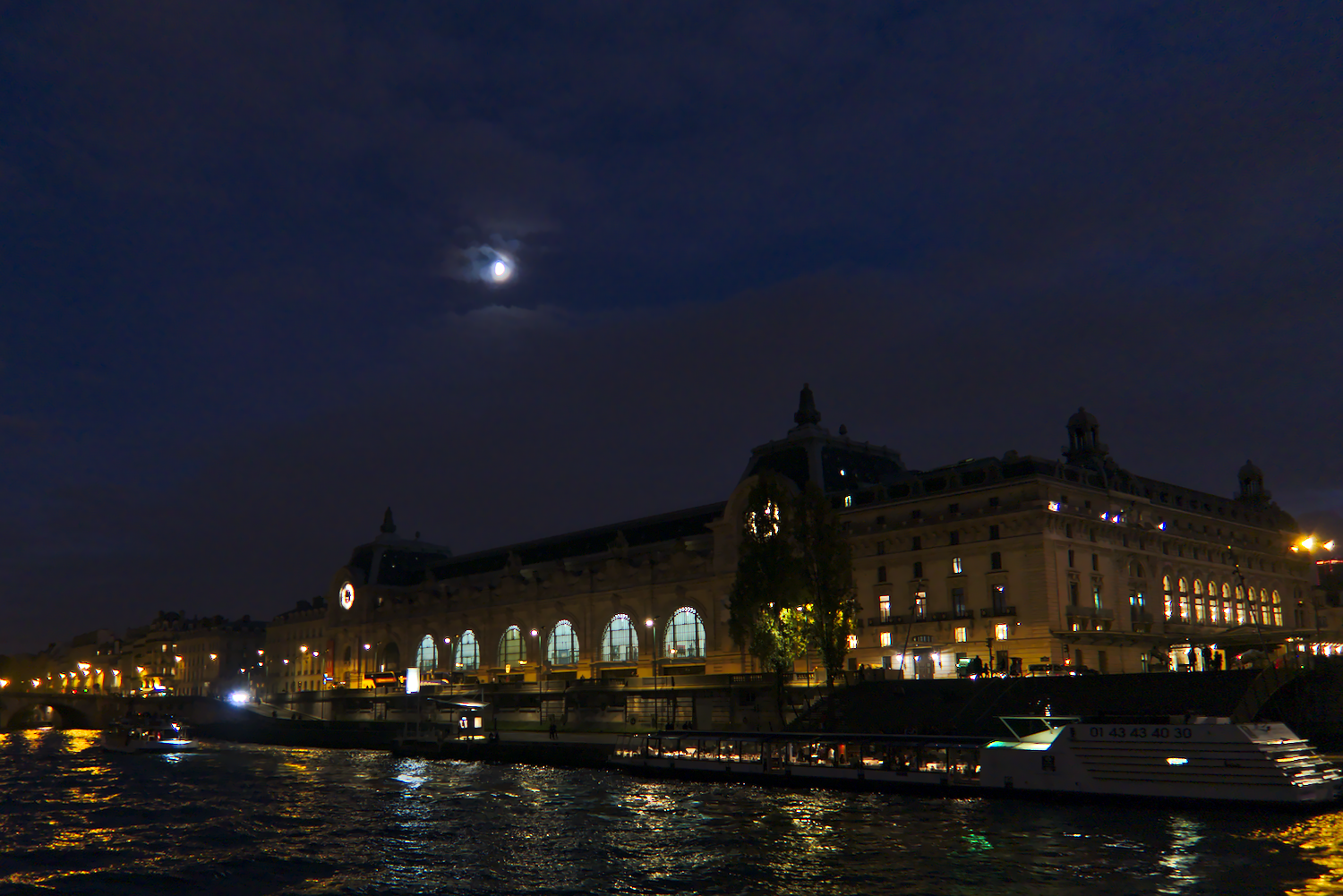 Musee d'Orsay from the river at night